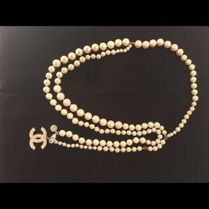 🖤 $1350. Chanel stunning pearl belt or necklace!